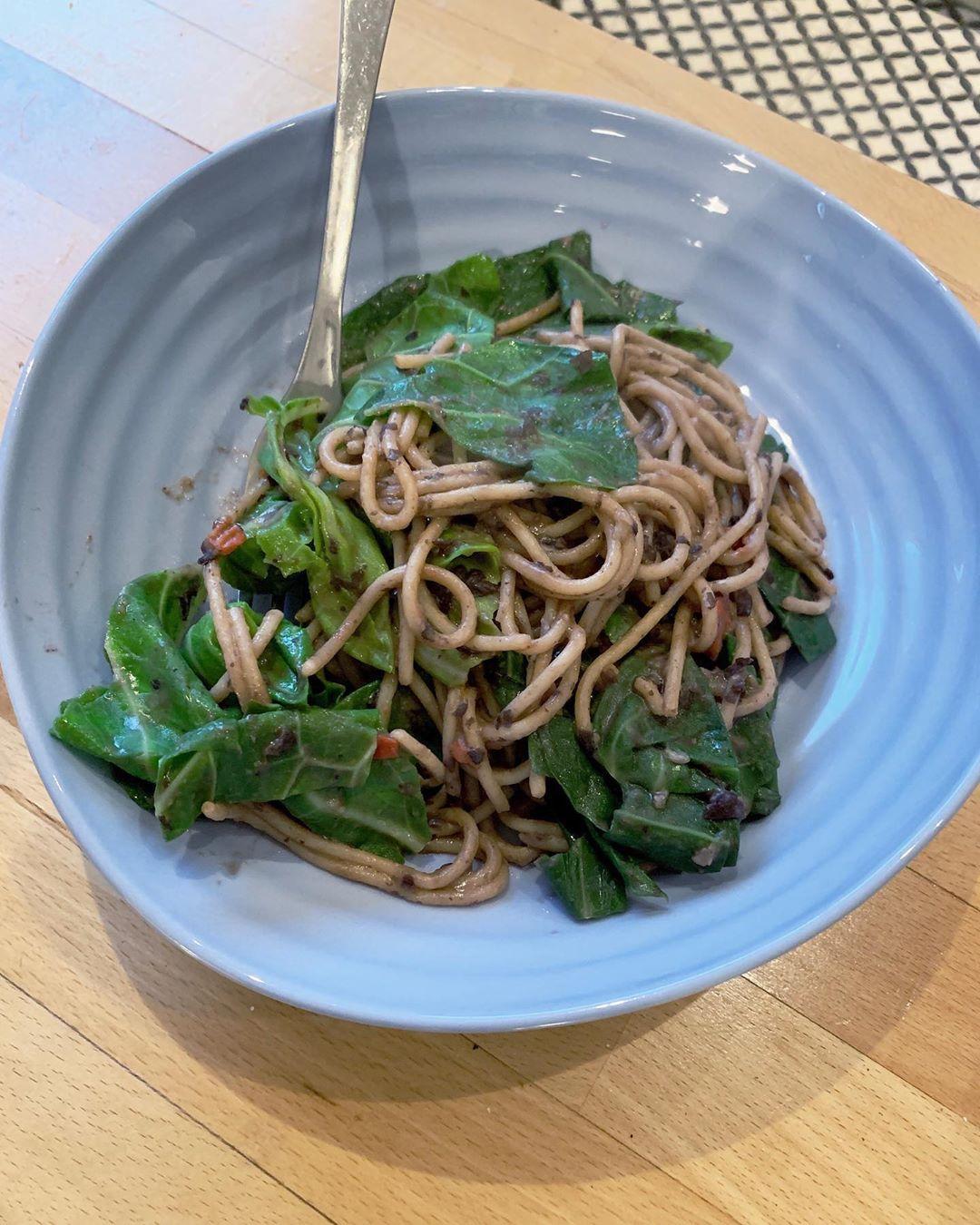 Black bean-noodles